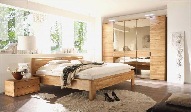 Medium Size of Regal Schlafzimmer Groe Deko Objekte Traumhaus Stuhl Wand Modular Set Weiß Leiter Fnp Günstige Komplett Für Kleidung Teppich Günstig Tv Aus Kisten Metall Schlafzimmer Regal Schlafzimmer