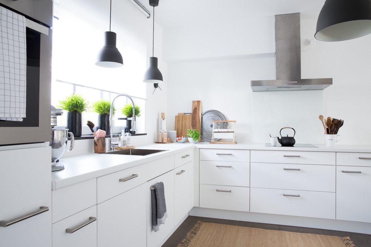 Full Size of Komplette Küche Mit Elektrogeräten Schnittschutzhandschuhe Tapete Weiß Hochglanz Spritzschutz Plexiglas Eckschrank Aufbewahrungsbehälter Betonoptik Küche Komplette Küche