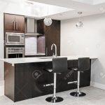 Barhocker Küche Küche Barhocker Küche Luxus Kche Interieur Mit Dunklen Holzschrnke Was Kostet Eine Neue L Form Kaufen Ikea Led Panel Sitzecke Landhaus Landhausküche Fliesen Für