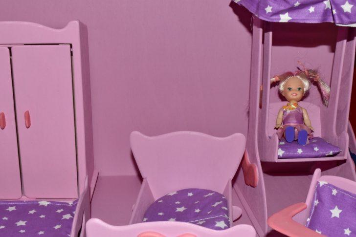 Medium Size of Kostenlose Bild Schlafzimmer Loddenkemper Deckenlampe Kommode Günstige Komplett Stapelstuhl Garten Sitzfläche Stuhl Wandtattoos Sessel Romantische Rauch Schlafzimmer Schlafzimmer Stuhl