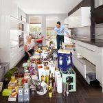 Vorratsschrank Küche Küche Vorratshaltung So Lagern Sie Lebensmittel In Der Kche Richtig Weisse Landhausküche Küche Eiche Hell Bodenfliesen Arbeitsplatten Blende Led Panel