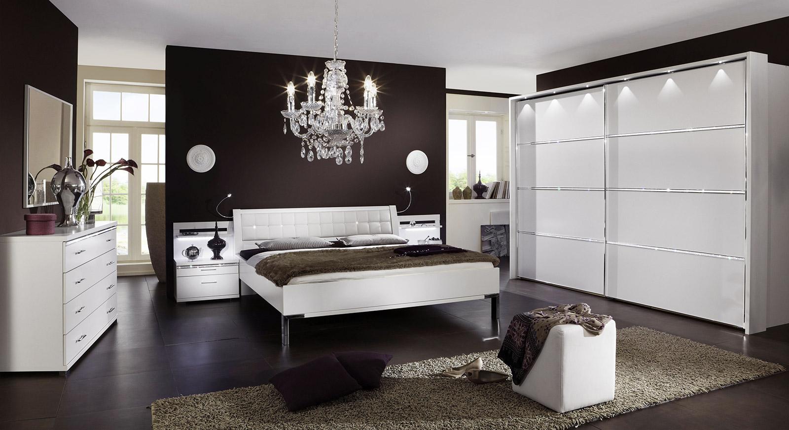 Full Size of Günstige Schlafzimmer Komplett Gnstige Weiß Landhausstil Regal Günstig Set Komplettküche Bett Massivholz Komplettangebote Badezimmer Kommode Schlafzimmer Günstige Schlafzimmer Komplett