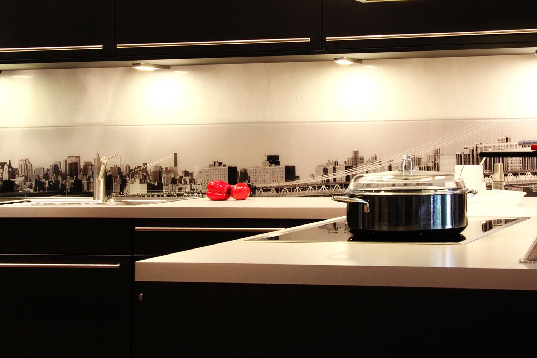 Full Size of Rückwand Küche Glas Kchenrckwand Aus Einzelschränke Fenster 3 Fach Verglasung L Form Planen Kostenlos Apothekerschrank Abluftventilator Hängeschrank Küche Rückwand Küche Glas