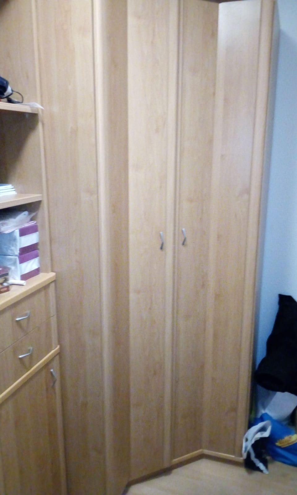 Full Size of Eckschrank In Marzahn Hellersdorf A190024 6 Schlafzimmer Set Mit Matratze Und Lattenrost Deckenleuchten Deckenleuchte Weiss Kommode Regal Küche Landhausstil Schlafzimmer Eckschrank Schlafzimmer