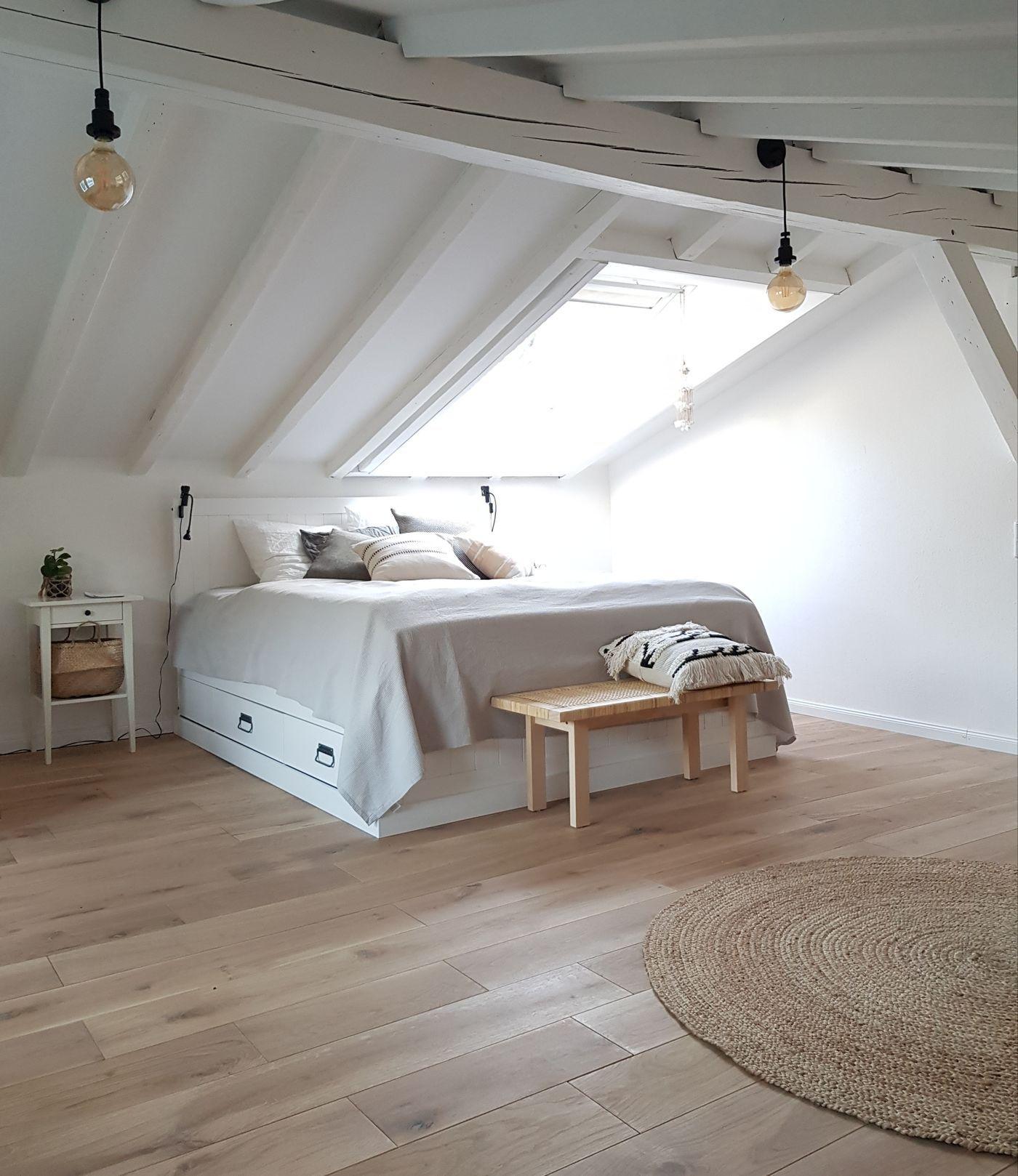 Full Size of Weißes Schlafzimmer Komplette Günstig Rauch Vorhänge Kommode Stuhl Für Lampe Wandlampe Sessel Teppich Massivholz Komplett Stehlampe Wandtattoos Günstige Schlafzimmer Weißes Schlafzimmer
