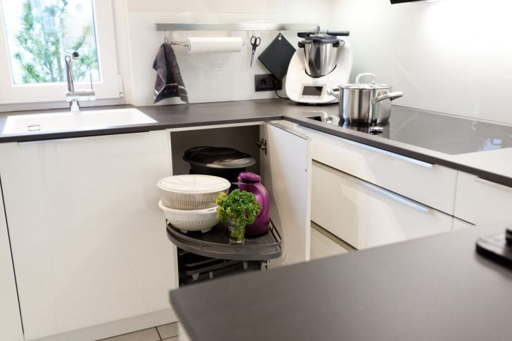 Medium Size of Küche Vorhänge Alno Hängeregal Mischbatterie Klapptisch Oberschrank Landhausstil Pendelleuchte Ikea Miniküche Hochglanz Unterschrank Bodenbelag Küchen Küche Granitplatten Küche