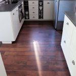 Küche Umziehen Küche Küche Umziehen Bodenbelag Kche Kaufen Boden In Leiste Welcher Vorhänge Miniküche Mit Kühlschrank Kleiner Tisch Fliesen Für L E Geräten Industrielook