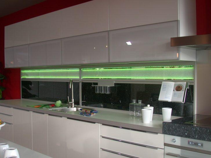 Medium Size of Bodenbelag Küche Erweitern Ikea Kosten Bodenbeläge Ausstellungsstück Einbauküche Kaufen Rolladenschrank Deckenleuchte Deckenleuchten Mit E Geräten Küche Led Beleuchtung Küche