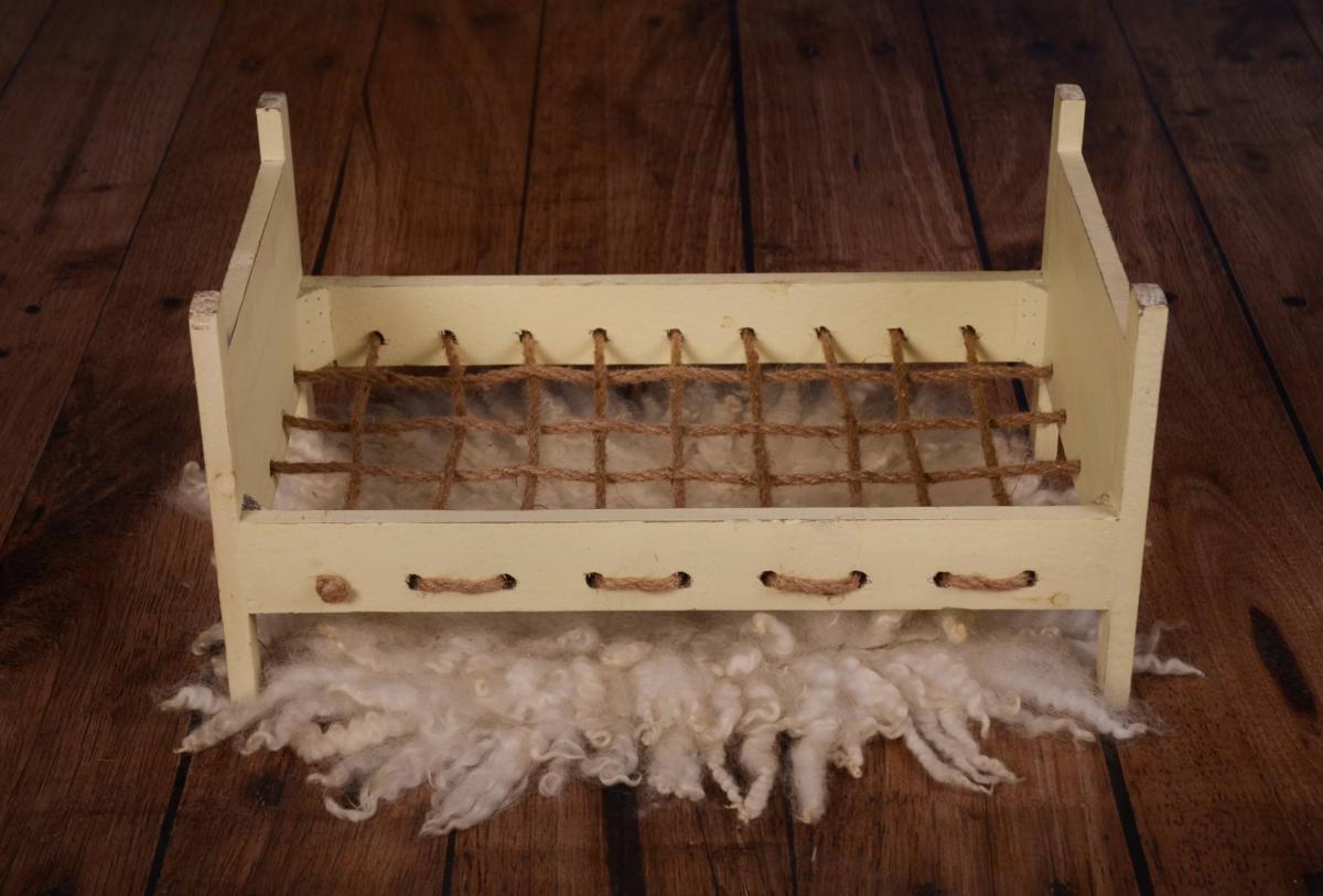 Full Size of Rustikale Betten Selber Bauen Rustikales Bett 140x200 Rustikal Bettgestell Holzbetten Kaufen Aus Holz Gunstig Massivholzbetten Kordel In Vanille 160x200 Massiv Bett Rustikales Bett