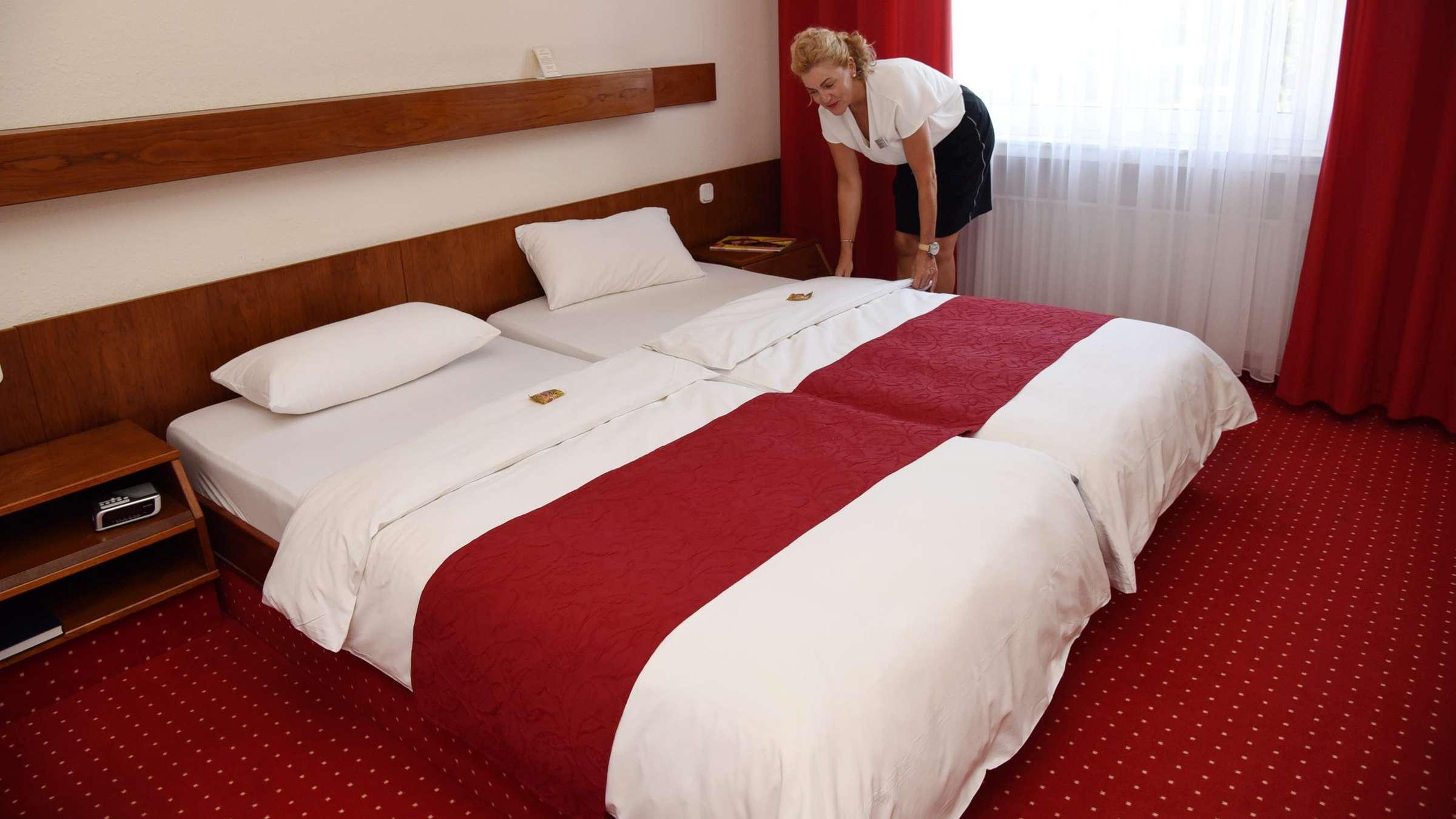 Full Size of Gebrauchte Betten Ebay 140x200 160x200 Kleinanzeigen Berlin 90x200 Kaufen Bei Hanse Hotel Renoviert Dieses Soester Verschenkt Sein Dico Ikea Jugend Nolte Bett Gebrauchte Betten