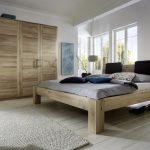 Massivholz Schlafzimmer Naturbelassene Massivholzbetten Massivholzschlafzimmer In Mit überbau Günstige Sitzbank Stuhl Sessel Stehlampe Komplett Vorhänge Schlafzimmer Massivholz Schlafzimmer