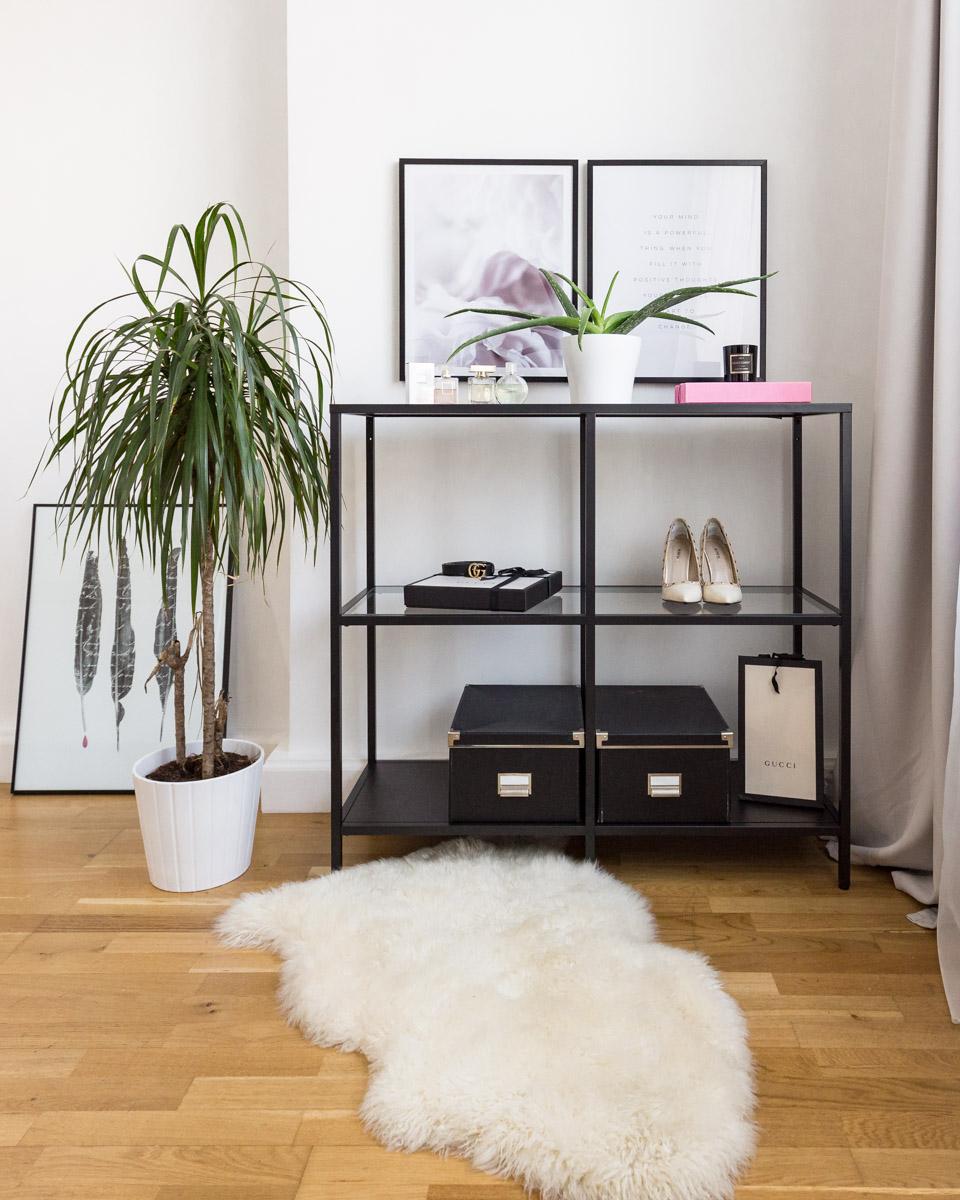 Full Size of Interior Update Unser Schlafzimmer Shades Of Ivory Komplettes Deckenleuchte Modern Massivholz Komplett Günstig Wandbilder Vorhänge Wandleuchte Deckenlampe Schlafzimmer Wandbilder Schlafzimmer