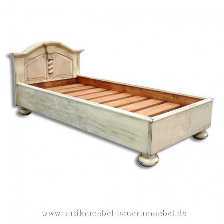 Medium Size of Bett Bettgestell Holzbett 90x200 Grnderzeit Shabby Chic Wei Betten Landhausstil 160x200 Düsseldorf Joop Runde Massivholz 200x200 Hülsta Französische Tempur Bett Betten 90x200