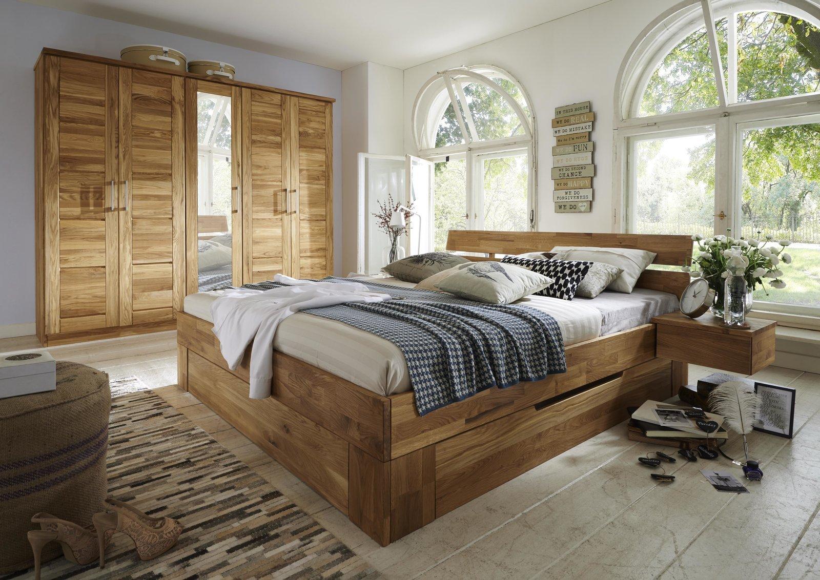 Full Size of Schlafzimmer Komplett Weiß Sessel Günstige Teppich Komplettes Vorhänge Nolte Regale Guenstig Romantische Günstig Wandtattoo Bett 160x200 Deckenleuchten Schlafzimmer Günstige Schlafzimmer Komplett