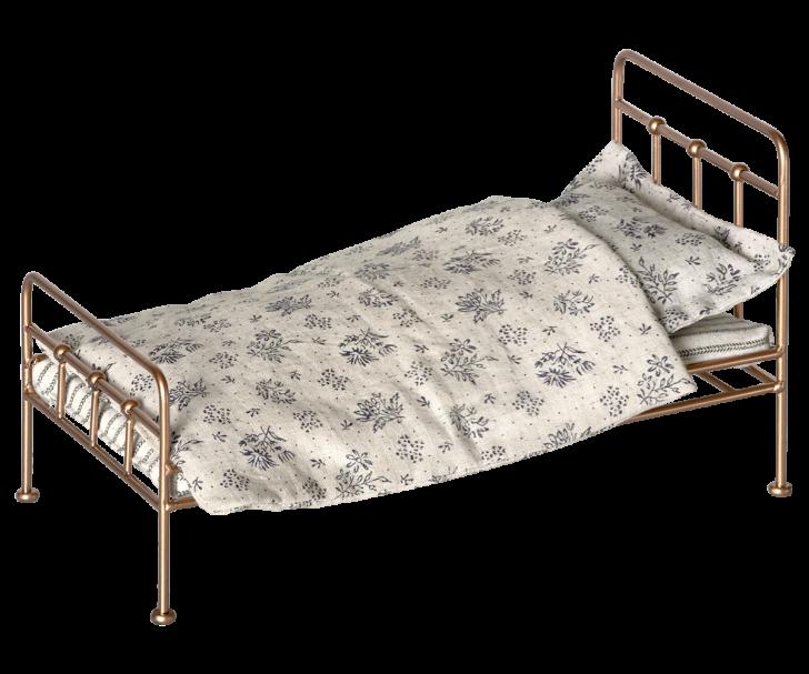 Medium Size of Maileg Bett Puppenbett Gold Bed Metallbett Gr M Skandinavisch Regal Metall Weiß Schwebendes Tojo V 160x200 Mit Lattenrost Und Matratze Jabo Betten 90x200 Bett Metall Bett