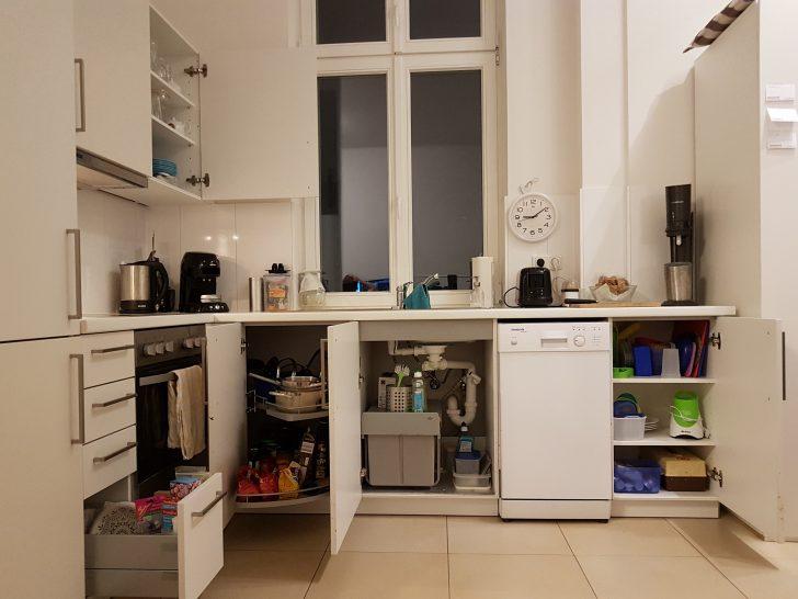 Medium Size of Vorratsschrank Küche Kche Und Wohnzimmer Nach Konmari Deckenleuchten Eckschrank Raffrollo Modulküche Günstig Kaufen Was Kostet Eine Neue Mit Theke Küche Vorratsschrank Küche