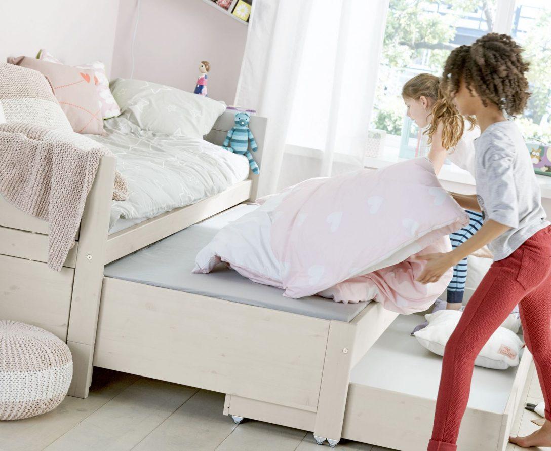Large Size of Bett Zum Ausziehen Rustikales Schrank Weiße Betten Home Affaire Bettwäsche Sprüche Lifetime Luxus Amazon 180x200 Mädchen 140x220 Weiß Bette Floor Bett Bett Zum Ausziehen