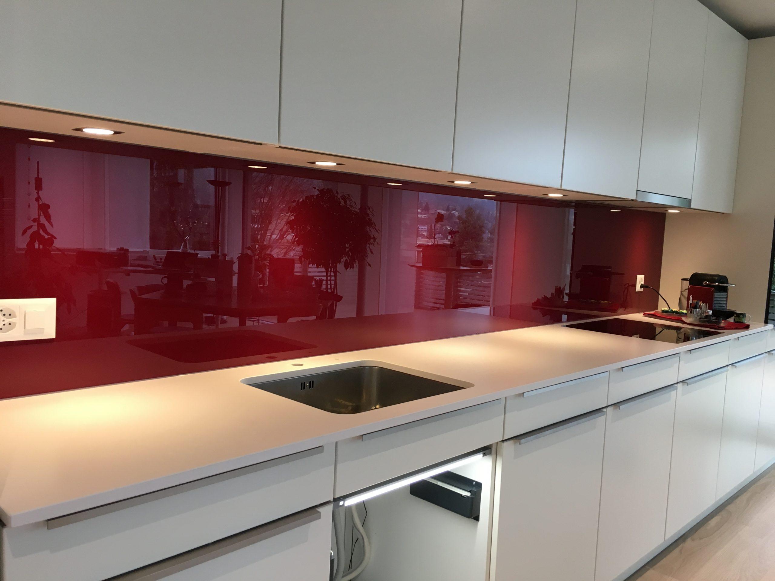 Full Size of Rückwand Küche Glas Strahm Glastech Glasrckwnde Bank Granitplatten Einbauküche Ohne Kühlschrank Grillplatte Bodenbelag Hochschrank Gebrauchte Kaufen Küche Rückwand Küche Glas