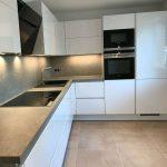 Küche Umziehen Einbauküche Nobilia Einhebelmischer Landhausküche Weiß Möbelgriffe Mit Geräten Keramik Waschbecken Teppich Bodenbelag Laminat Für Küche Küche Umziehen