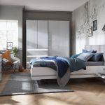 Das Schlafzimmer Bietet Viel Raum Fr Sinnlichkeit Und Entspannung Wandtattoos Kommoden Mit überbau Led Deckenleuchte Schränke Deko Sessel Nolte Küche Regal Schlafzimmer Nolte Schlafzimmer
