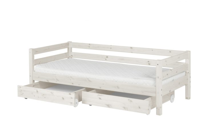 Medium Size of Flexa Bett Mit 2 Schubladen 90x200 Wei Kiefer Classic Lattenrost Clinique Even Better Tojo Holz Konfigurieren Weißes Regal Betten Outlet Kopfteil Weiß Hohes Bett Bett 90x200 Weiß