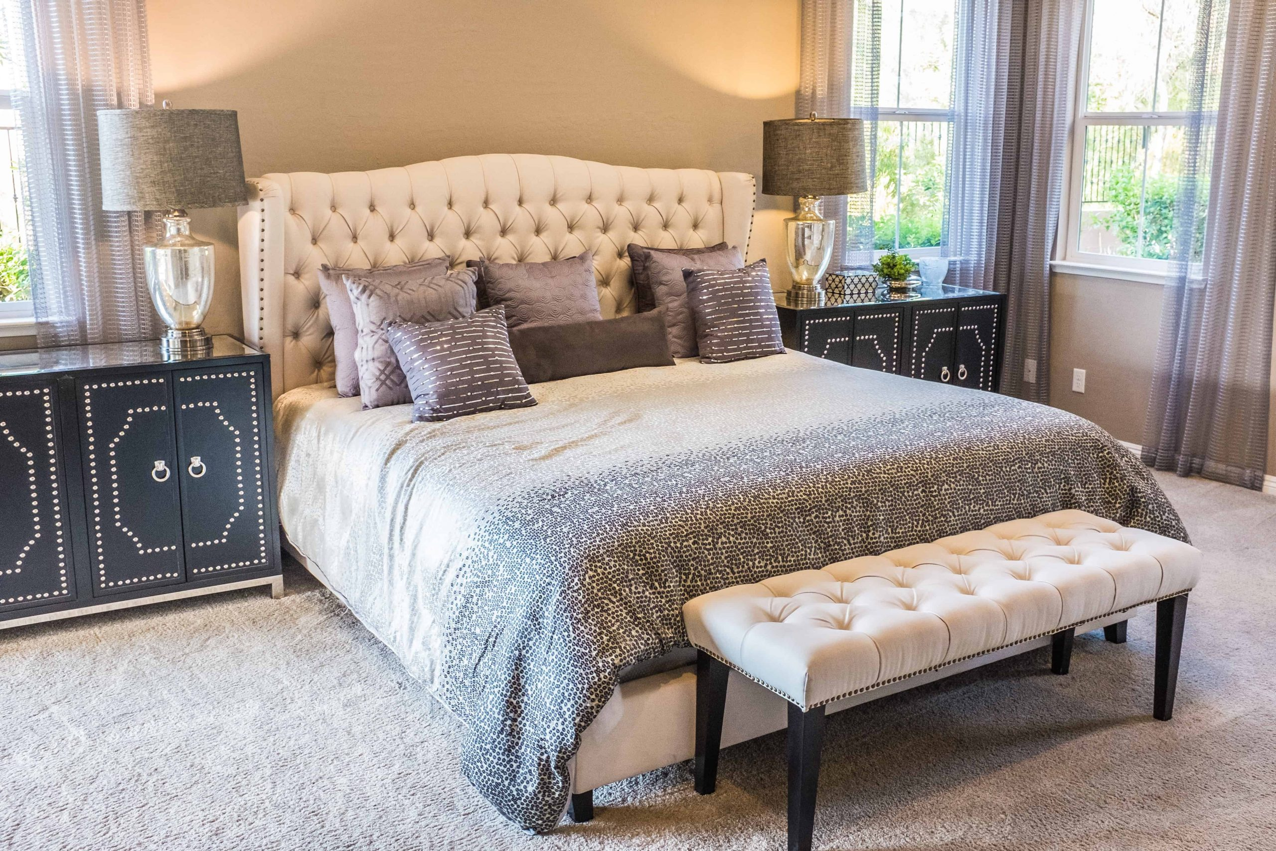 Full Size of Amerikanische Betten Holz Amerikanisches Bett Beziehen Mit Vielen Kissen Selber Bauen Bettzeug Bettgestell King Size Kaufen Hoch Polsterbett Test Empfehlungen Bett Amerikanisches Bett