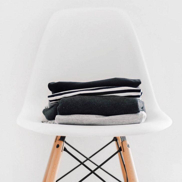 Medium Size of Stuhl Für Schlafzimmer Suelovesnyc Der Im Ihr Kennt Ihn Alle Sessel Luxus Rauch Regale Dachschrägen Klimagerät Deckenleuchten Regal Wickelbrett Bett Schlafzimmer Stuhl Für Schlafzimmer