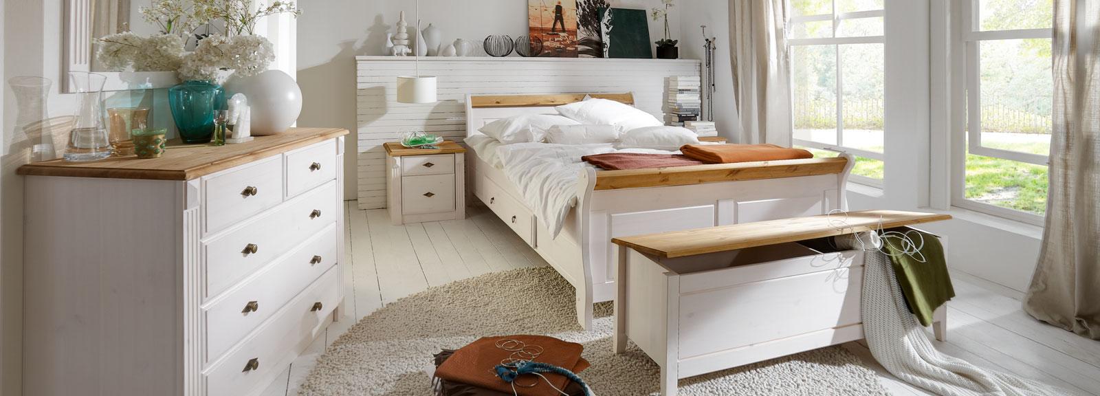 Full Size of Massivholz Schlafzimmer Schrank Schränke Esstisch Ausziehbar Weiss Komplett Stuhl Komplette Betten Set Mit überbau Für Kommode Weiß Wandleuchte Stehlampe Schlafzimmer Massivholz Schlafzimmer