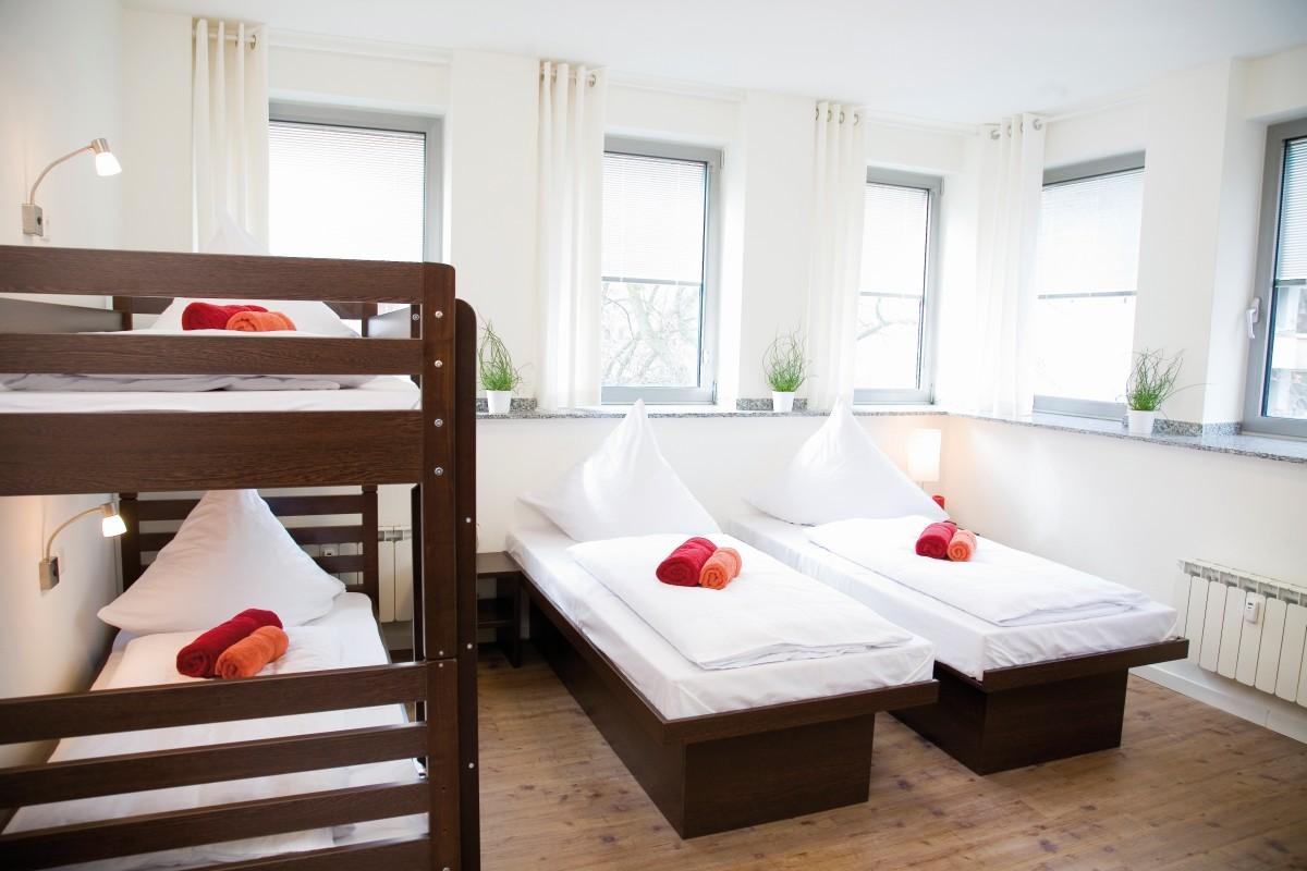 Full Size of Betten Köln Hostel Koeln 5 Bett Zimmer Ag Rauch Mädchen Amazon 180x200 Kaufen 140x200 100x200 Coole Fenster München Mit Bettkasten Team 7 Jabo Bei Ikea Test Bett Betten Köln