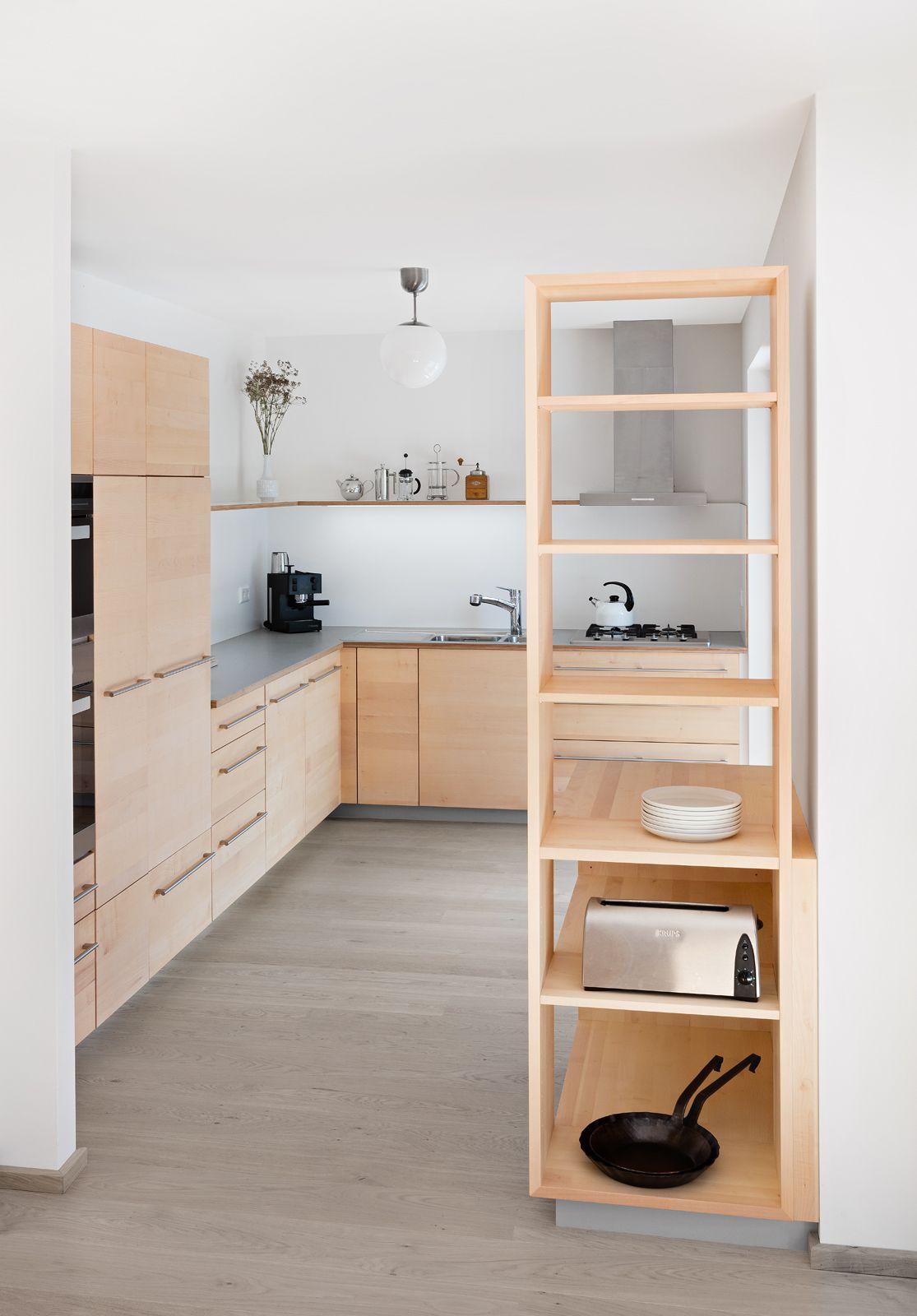 Full Size of Elegante Vollholzkche In L Form Mit Dunkler Arbeitsplatte Vollholzküche Küche Vollholzküche