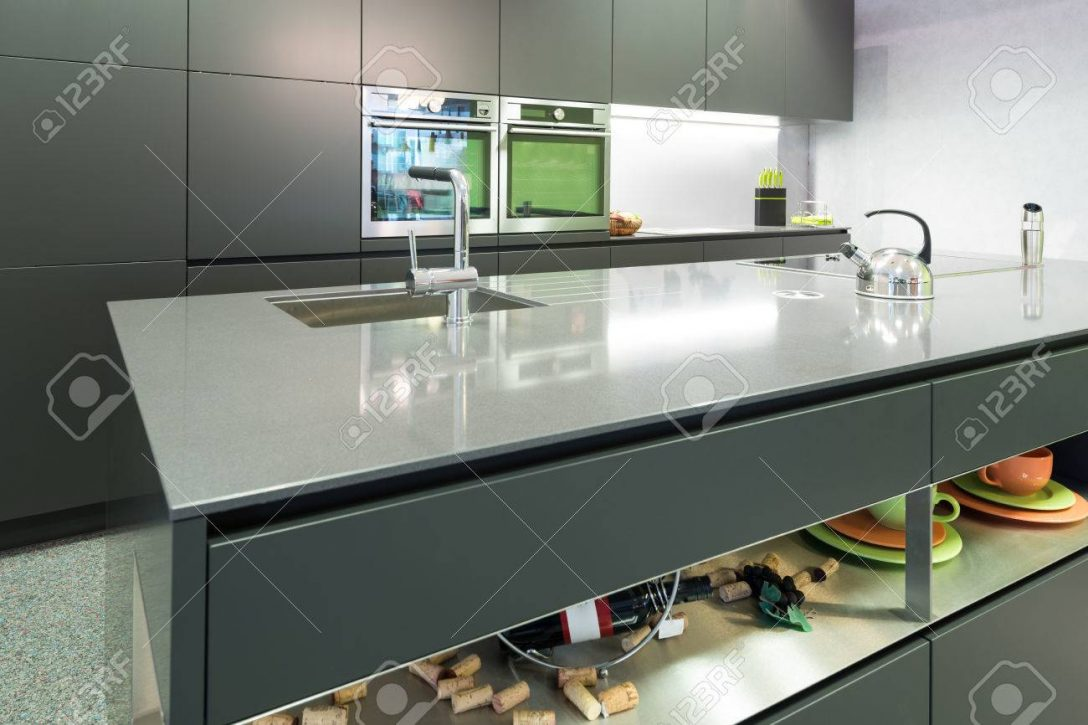 Large Size of Anthracite Modern Kitchen With Oven And Steamer With Island Küche Küche Anthrazit