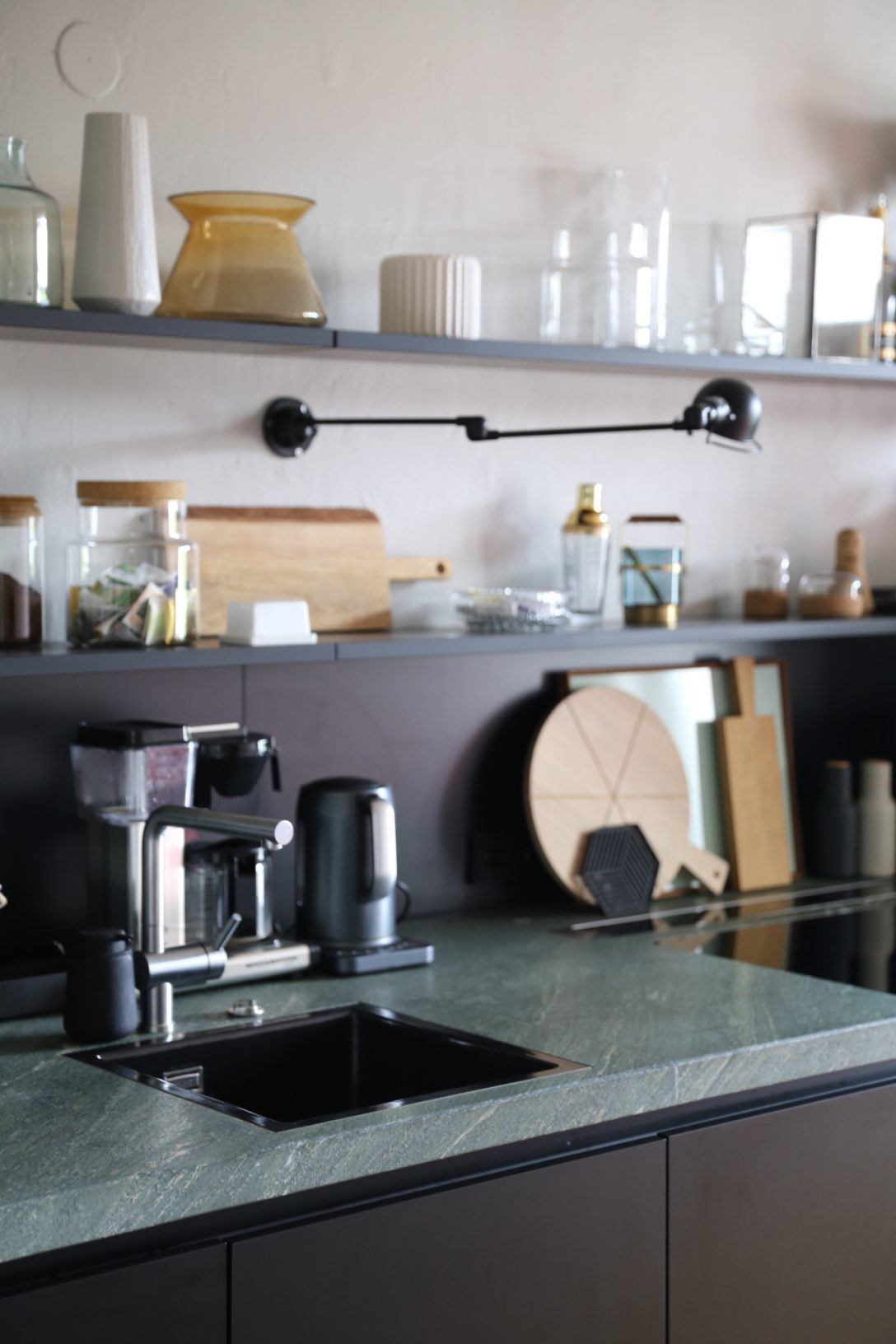 Large Size of Granitplatten Küche Ein Jahr Mit Der Neuen Kche Resmee Lieferzeit Modul Komplettküche Einzelschränke Mobile Einbauküche Elektrogeräten Sitzbank Lehne Küche Granitplatten Küche