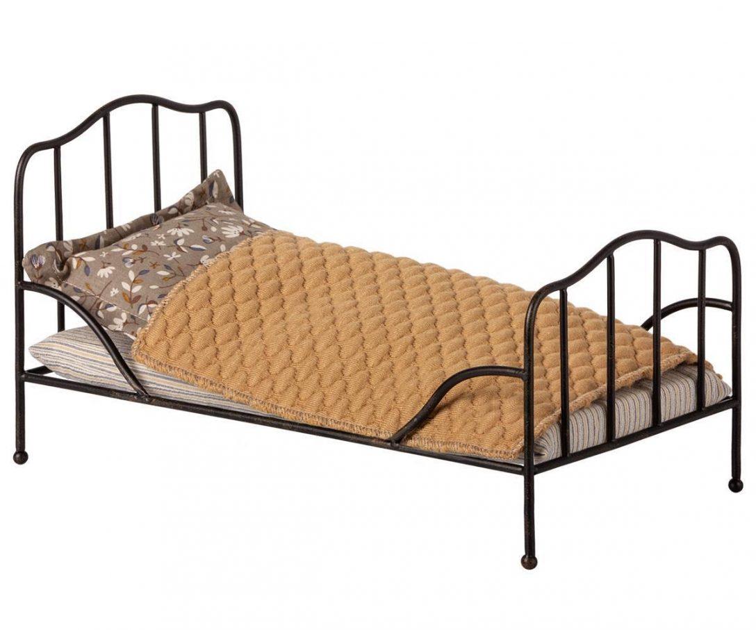 Large Size of Maileg Bett Bed Anthrazit Puppenbett Metallbett Mit Bettw Flach Weiß 90x200 Betten Kaufen 140x200 Cars Kleinkind Eiche Sonoma Landhausstil Rauch 180x200 Bett Metall Bett