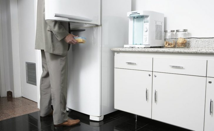 Medium Size of Büro Küche Gestalten Büro Küche Mit Backofen In Der Büroküche Gibts Kuchen Büro Küche Mit Spülmaschine Küche Büroküche