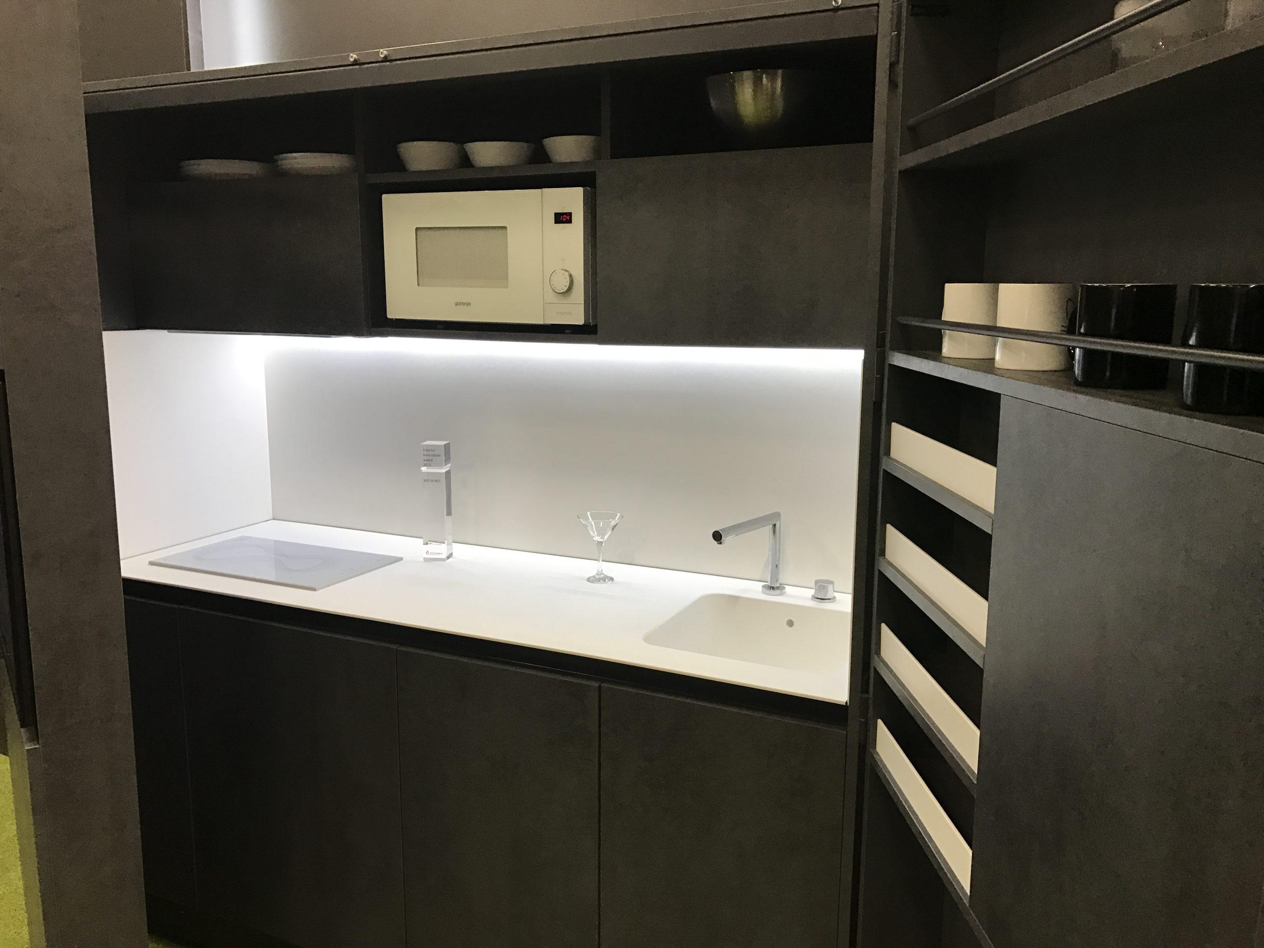 Full Size of Büro Küche Mit Kühlschrank Und Geschirrspüler Büro Küche Ikea In Der Büroküche Gibts Kuchen Büroküche 180 Cm Küche Büroküche