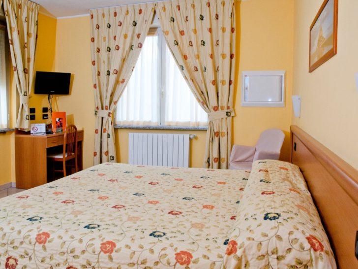 Medium Size of Kingsize Bett Doppelzimmer Mit Hotel Agata 90x200 Weiß Schubladen 140 Kopfteil Selber Bauen 160x200 Komplett Matratze Und Lattenrost 140x200 Bette Starlet Bett Kingsize Bett