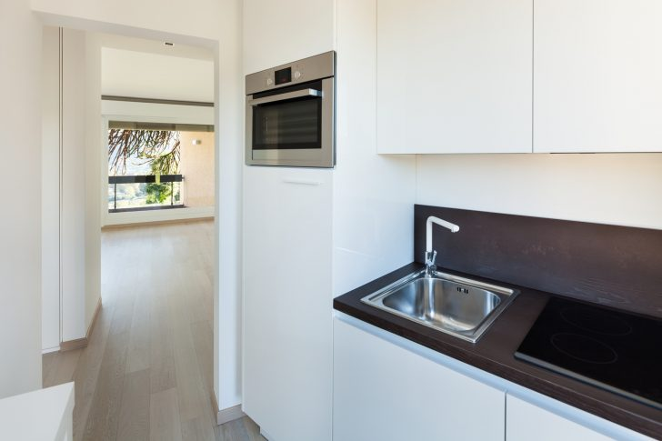 Medium Size of Interiors Building, Modern Apartment, Kitchen View Küche Singleküche