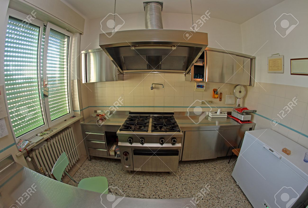 Full Size of Stainless Steel Kitchen For Preparing Meals Of The Children In T Küche Industrie Küche