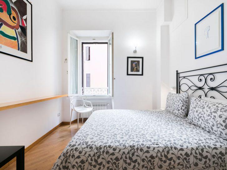 Medium Size of Bodhouse Design Ferienwohnung Rome Center Modernes Bett 180x200 140x200 Ohne Kopfteil Massivholz Günstige Betten Weiß 160x200 Hunde Treca Breit Schwebendes Bett Kingsize Bett