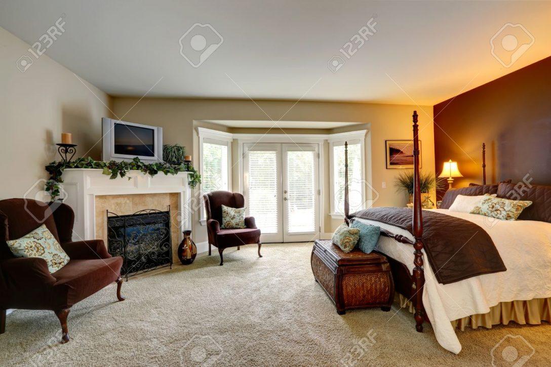 Large Size of Truhe Schlafzimmer Luxus Mit Kamin Ansicht Schnen Bett Hohen Komplett Günstig Schranksysteme Weiss Gardinen Für Regal Weiß Wandleuchte Landhaus Günstige Schlafzimmer Truhe Schlafzimmer
