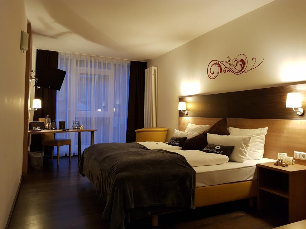 Full Size of Betten Mannheim Hotel Luise Deutschland Bookingcom Massiv Mädchen Ruf Preise Balinesische Tempur Boxspring Wohnwert Berlin Mit Schubladen Team 7 Schlafzimmer Bett Betten Mannheim