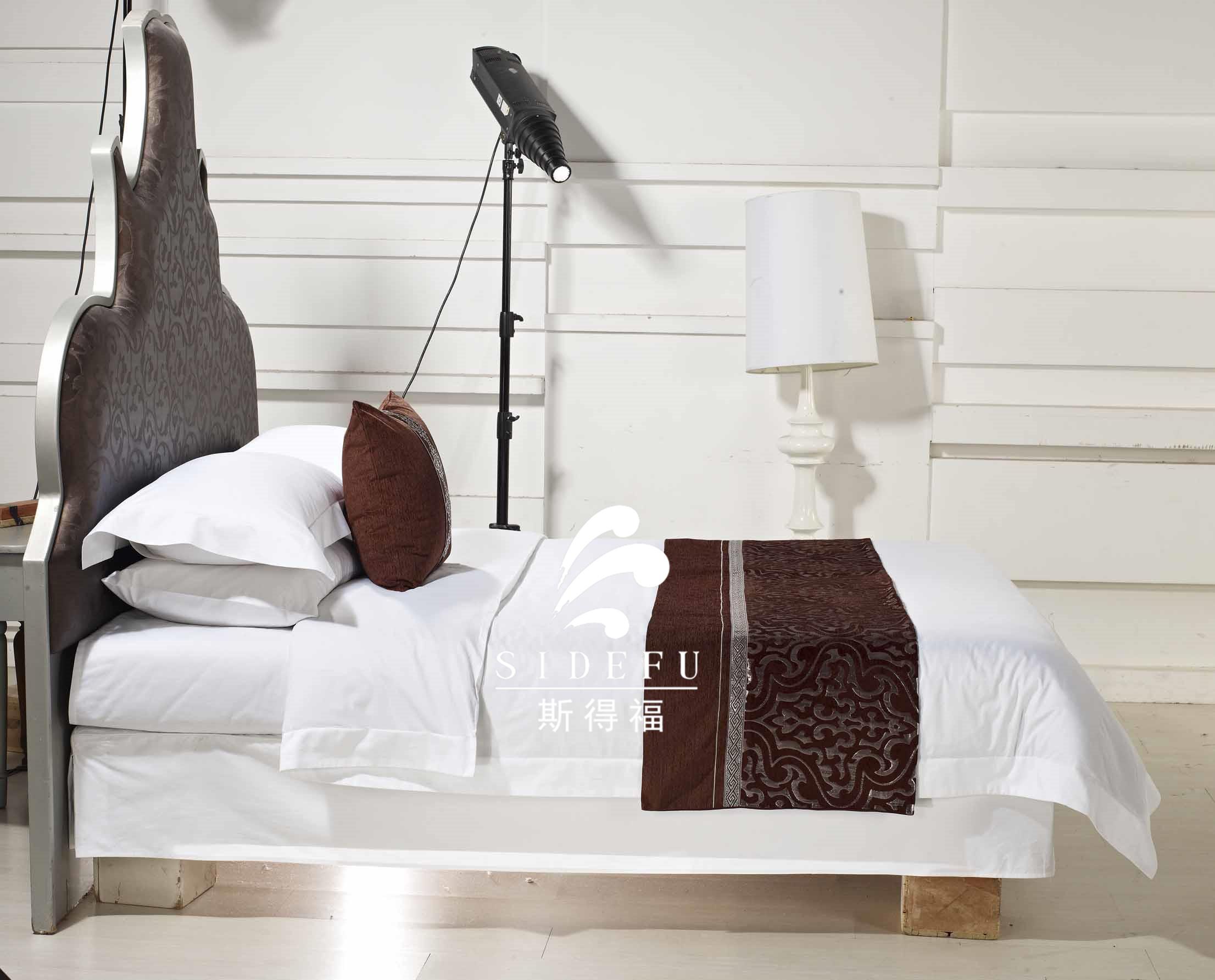 Full Size of Kingsize Bett Hotel Bettwsche 100 Baumwolle Wei Duvet Cover Platzsparend Kopfteil 180x200 Weißes Betten Test Metall Jabo Kaufen Günstig Mit Stauraum 160x200 Bett Kingsize Bett