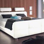 Amerikanisches Bett Bett Amerikanisches Bett Mit Vielen Kissen Holz Kaufen Bettgestell Selber Bauen Bettzeug Amerikanische Betten Beziehen 40 Hk King Size Amerikanisch Fhrung