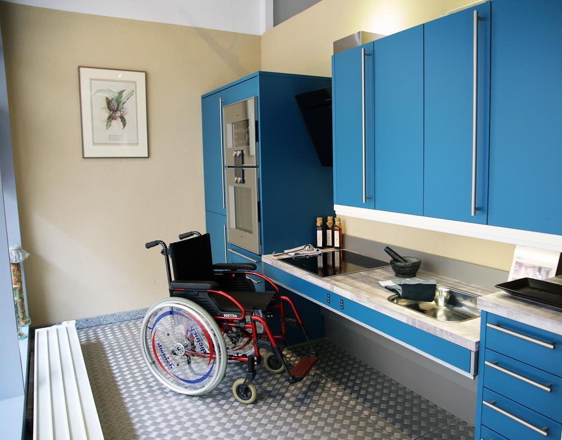 Full Size of Behindertengerechte Küche Arbeitsplatte Aluminium Verbundplatte Sitzbank Mit Geräten Einbauküche Gebraucht Was Kostet Eine Massivholzküche Modulküche Küche Behindertengerechte Küche
