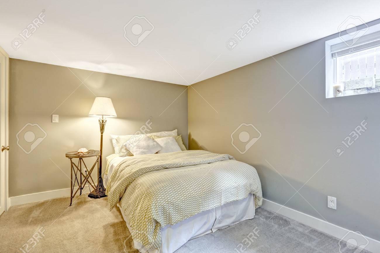 Full Size of Schlafzimmer Lampe Interieur Mit Weien Bett Und Wandlampe Truhe Stuhl Wandleuchte Wohnzimmer Komplett Poco Landhausstil Klimagerät Für Sessel Bad Lampen Schlafzimmer Schlafzimmer Lampe
