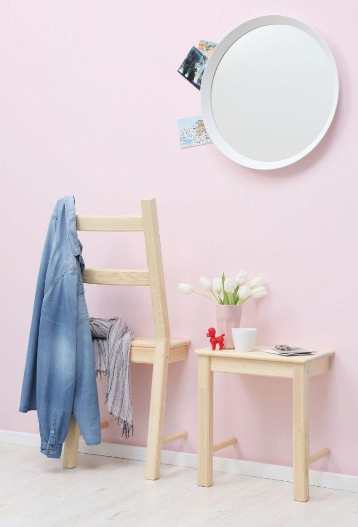 Medium Size of Schlafzimmer Stuhl Two In One Ein Zersgter Ergibt Einen Herrendiener Plus Komplett Massivholz Gardinen Komplettangebote Deckenlampe Wandtattoo Eckschrank Deko Schlafzimmer Schlafzimmer Stuhl