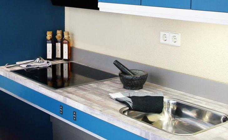 Medium Size of Günstige Küche Mit E Geräten Einbau Mülleimer Hängeschrank Sitzgruppe Led Deckenleuchte Ikea Kosten U Form Rustikal Wandpaneel Glas Vinyl Poco Küche Behindertengerechte Küche