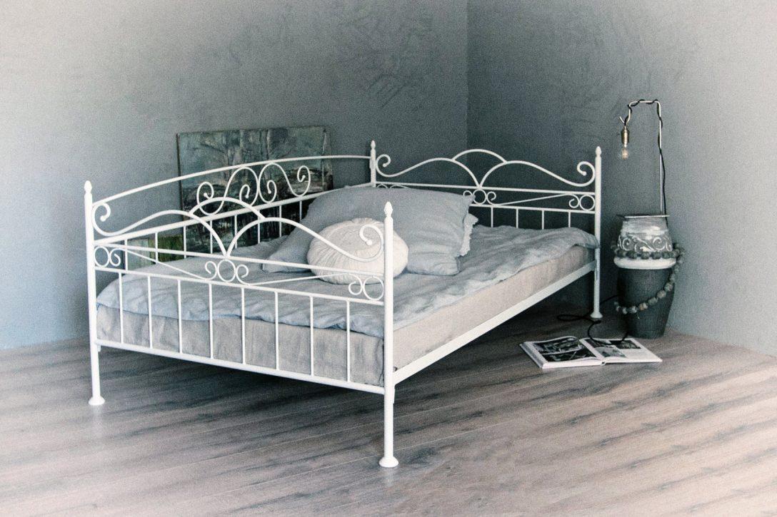 Large Size of Bett 90x200 Weiß 160x200 Komplett Leander Mit Gepolstertem Kopfteil 180x200 Bettkasten Modernes 220 X 200 Luxus Betten Einzelbett 120x200 140x200 Regale Runde Bett Bett 90x200 Weiß