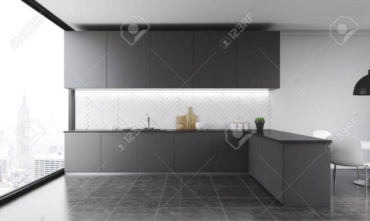 Medium Size of Kitchen Counter In Modern Home. Küche Deckenleuchte Küche