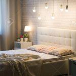 Weißes Bett Bett Weies Bett Im Inneren Schlafzimmers Lizenzfreie Fotos Mit Matratze Und Lattenrost 140x200 Betten Stauraum Amazon Wohnwert Feng Shui Bette Boxspring Selber